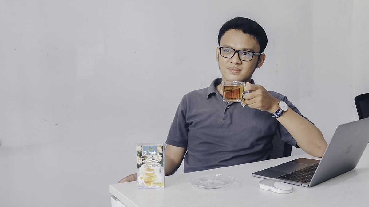 Minum teh Dilmah